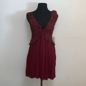 Blood Red Deep-V Neck Lace Accordion Top